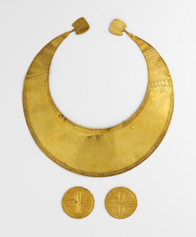 Gold Lunula and Discs - Photo  Credit National Museum of Ireland